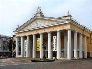 Всемирный день театра брянский драмтеатр отметил продлением срока возврата билетов