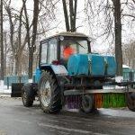 В Брянске коммунальщики малыми силами ликвидируют «капризы зимы»