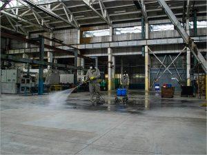 В Брянской области сотрудники МЧС продезинфицировали три завода