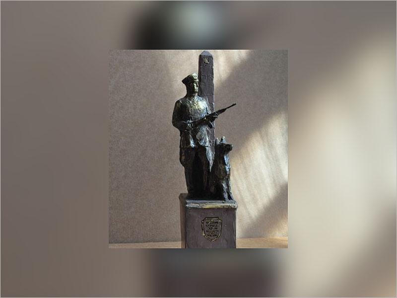 Границы Новозыбкова будет охранять солдат с собакой