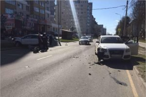 В «женском» ДТП в Брянске одна из водительниц получила травму головы