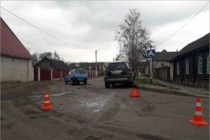 В Сураже «Ока» ударилась об Merscedes, двое пенсионеров пострадали