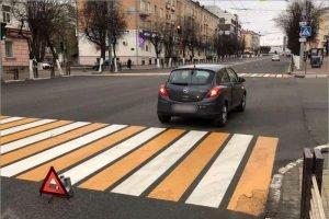 В центре Брянска пенсионер попал под колёса на светофоре