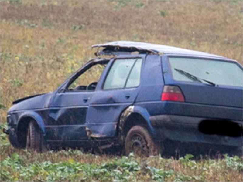 На дороге под Брянском пьяный водитель улетел в столб, а потом в кювет