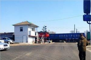 ЧП на переезде в посёлке Локоть: сломавшийся тепловоз перекрыл движение