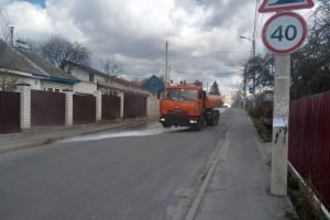За воскресенье в Брянске дорожники продезинфицировали больше 90 улиц