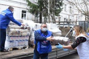В брянский волонтёрский штаб «ЕР» поступило 3,5 тонны продуктов от депутата облдумы