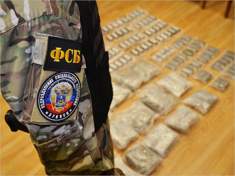 Двое наркодилеров в Брянске задержаны с 20 кг гашиша