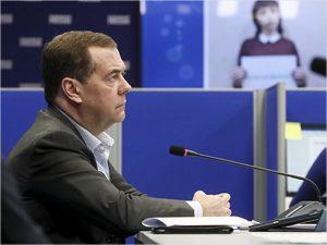 Депутатская волонтёрская деятельность будет учитываться при составлении избирательных списков — Медведев
