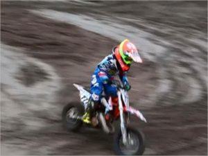 На севской трассе для мотокросса разбился семилетний мотогонщик