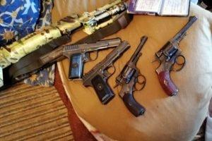 За два дня брянские полицейские изъяли 70 взрывных устройств и 11 килограммов взрывчатки