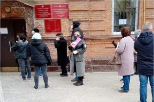 В районных администрациях Брянска принимают документы на «макаровские аусвайсы»