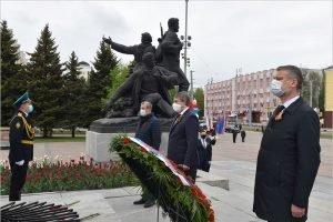 Память героев Великой Отечественной войны руководители области почтили по-карантинному