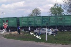 В Брянской области произошло первое в этом году ДТП на железнодорожном переезде