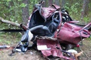 На брянской дороге произошло смертельное ДТП: трое погибших, трое в больнице