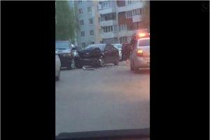 Пьяный водитель в Брянске протаранил четыре припаркованные машины