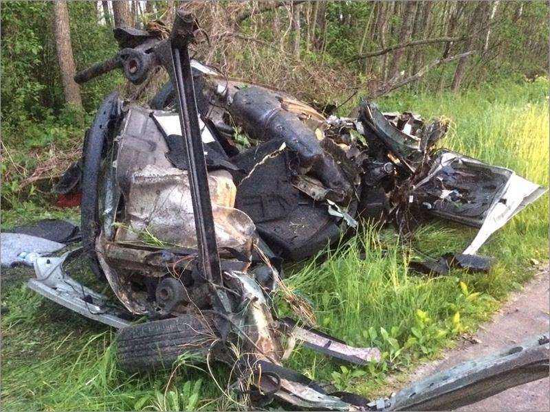 Ночью под Почепом разбился легковой автомобиль. Есть жертвы