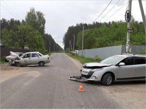 На узкой и пустой улице в Сельцо случилось тройное ДТП