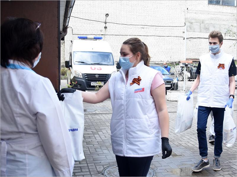 От волонтёрских центров за два месяца получили помощь более 1,5 млн. россиян