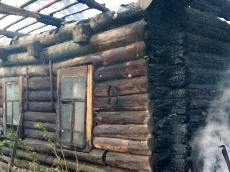 В мглинском селе Симонтовка сгорел дом