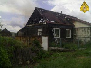 В Севске сгорел жилой дом. Жертв нет