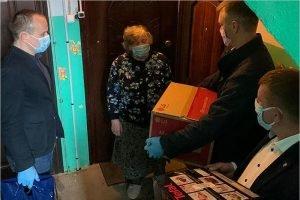 Брянские депутаты-единороссы помогли женщине, оказавшейся в сложной жизненной ситуации