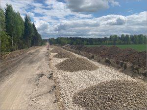 В Почепском и Трубчевском районах дорожники ремонтируют подъезды к сёлам