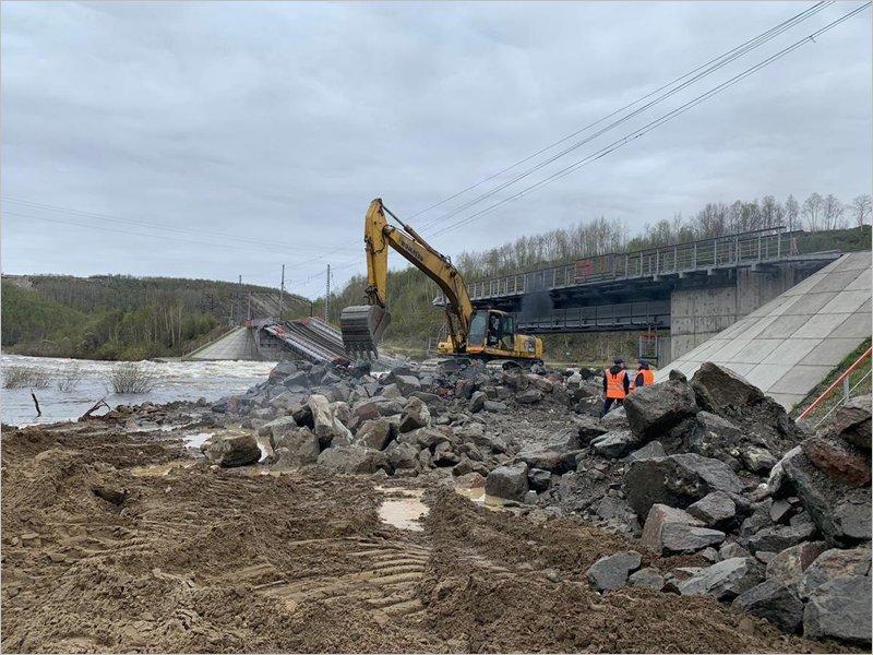 Минобороны направит из Брянской области военных железнодорожников для восстановления моста под Мурманском