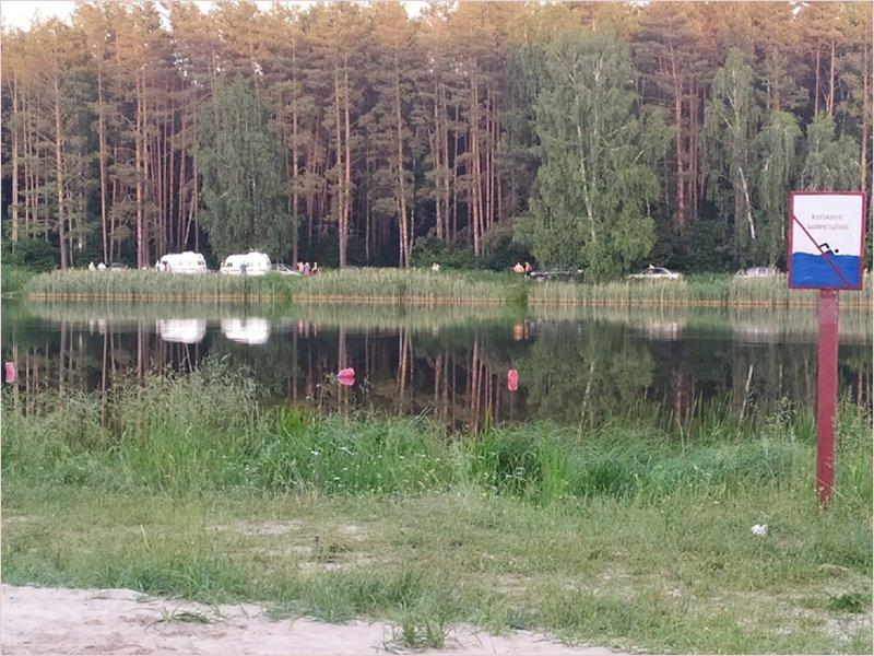 В посёлке Локоть утонул 19-летний молодой человек – переплывал местное озеро