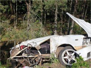 На местной дороге под Новозыбковом водитель сломал себе голову. В прямом смысле