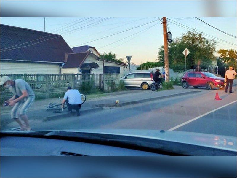 В Брянске 20-летний водитель иномарки сбил престарелую велосипедистку