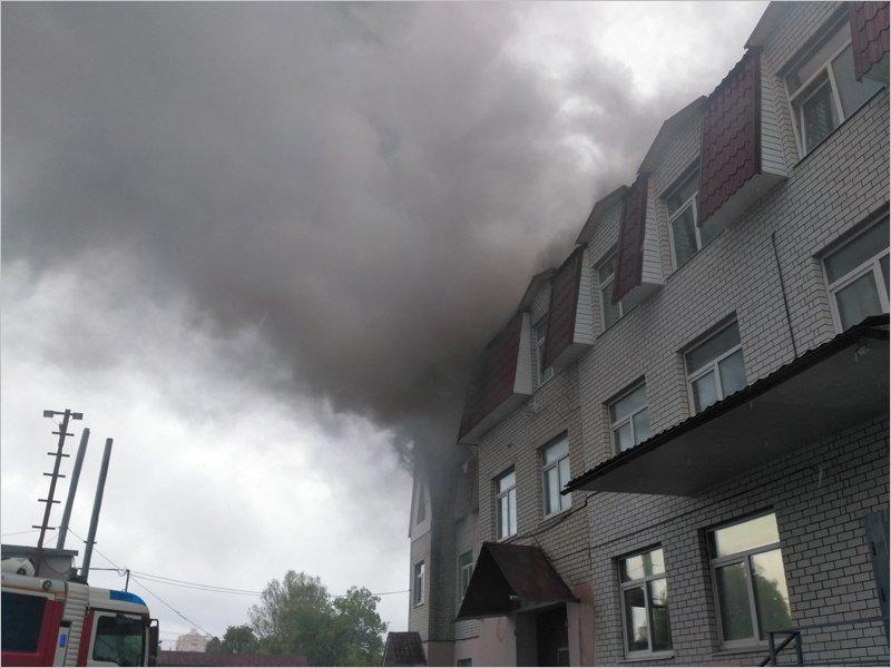 Брянский офис «Комсомольской правды» потушен, пострадавших нет, масштабы ЧП уточняются
