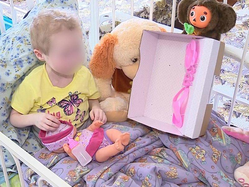 Брянские следователи взяли шефство над истощенной 7-летней девочкой-маугли