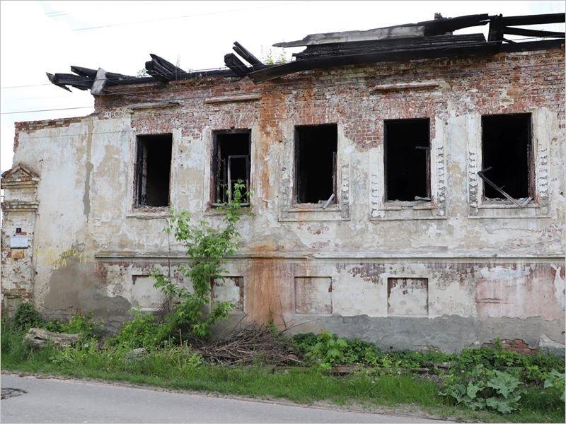 В Клинцах снесут три бывших жилых дома