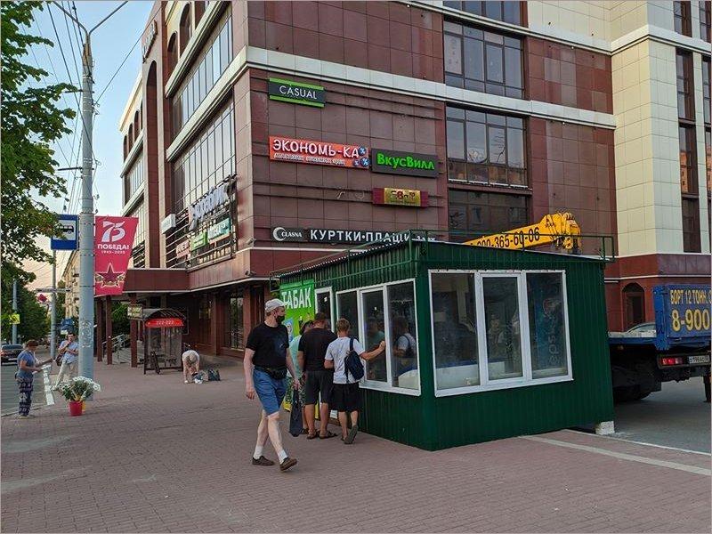 Безмозглый Брянск: власти города нашли замену «неэстетичным» киоскам в центре города