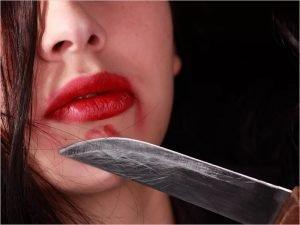 В Брянске  под суд пойдёт решительная женщина, спьяну зарезавшая сожителя складным ножом