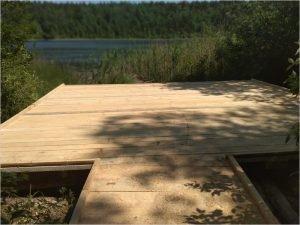 Брянские активисты завершили ремонт подходов к воде на Круглом озере