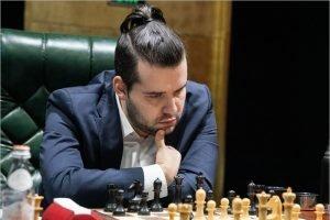 Ян Непомнящий одержал седьмую победу на онлайн-турнире Legend of Chess