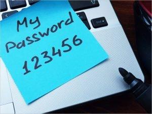 Каждый пятый работник брянских фирм обменивается паролями с коллегами