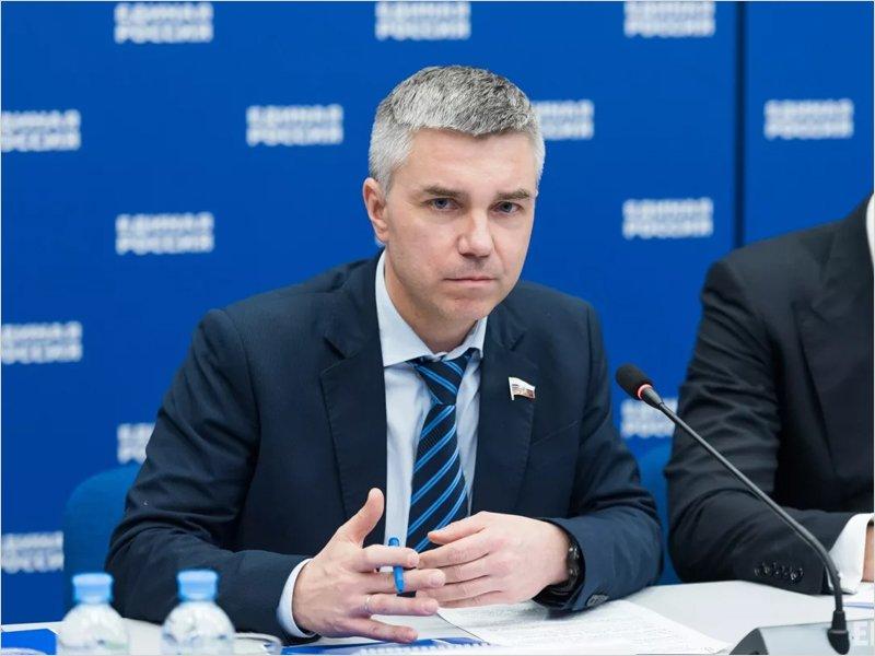 «Единая Россия» направит наблюдателей на все участки голосования по Конституции – Ревенко