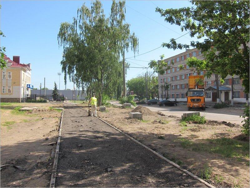В Брянске ремонтируется дорога к новому стадиону «Десна»