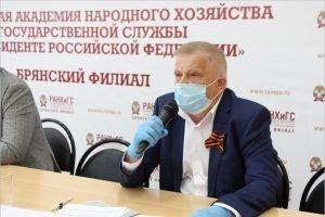 Из восьми с лишним тысяч желающих стать наблюдателями на голосовании в Брянской области отказано только одному претенденту