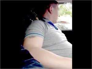 В Брянске уволен водитель такси, отказавшийся везти негра