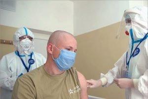 Разработанная военными вакцина от COVID-19 обеспечила выработку антител