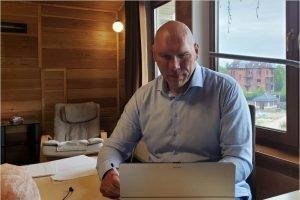Николай Валуев провёл онлайн-приём граждан по вопросам защиты трудовых прав