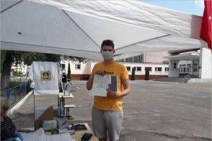 Первое в жизни голосование — конституционное: в брянских школах голосуют выпускники этого года