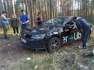 Добровольцы помогли брянскому таксисту найти угнанный грабителями автомобиль