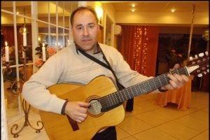 В Брянске ушёл из жизни исполнитель авторской песни Игорь Арсёнов
