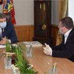Брянский губернатор обсудил будущее региональных печатных и электронных СМИ с представителем отрасли