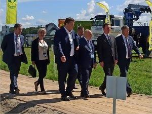 Министр сельского хозяйства прибыл к брянскому губернатору на Всероссийский день поля
